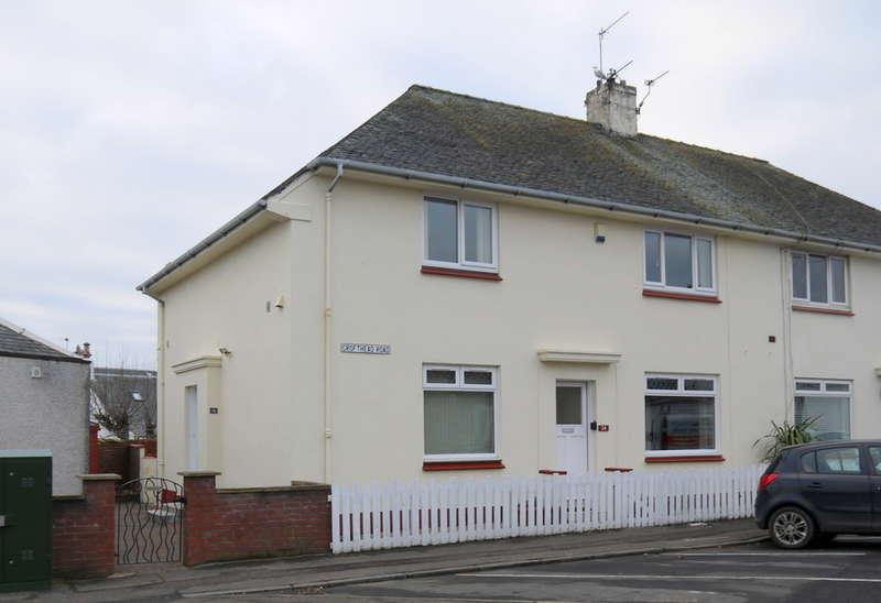 2 Bedrooms Flat for sale in Crofthead Road, Prestwick, KA9