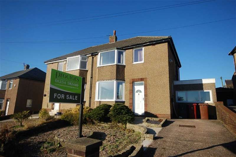 3 Bedrooms Property for sale in Whalley Old Road, Blackburn