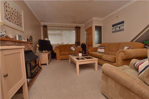 4 Bedrooms Semi Detached House for sale in Sydenham Way, Hanham, BS15 3TG