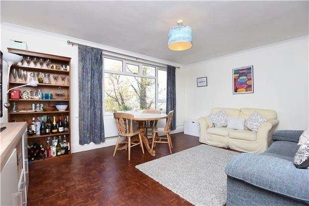 3 Bedrooms Flat for sale in St. Albans House, , SW16