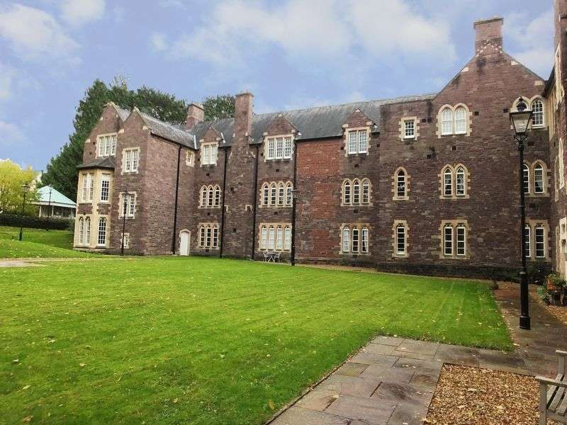 2 Bedrooms Flat for sale in Sarno Square, ABERGAVENNY, Monmouthshire