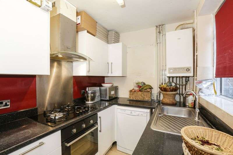 3 Bedrooms House for sale in Charminster Road, London, Greater London, SE9