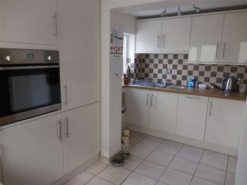 3 Bedrooms End Of Terrace House for sale in Albert Road, Deal, Kent