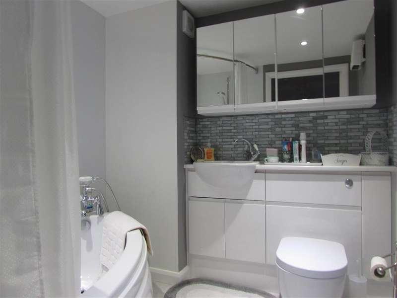 1 Bedroom Flat for sale in St. Lukes Avenue, Maidstone, Kent