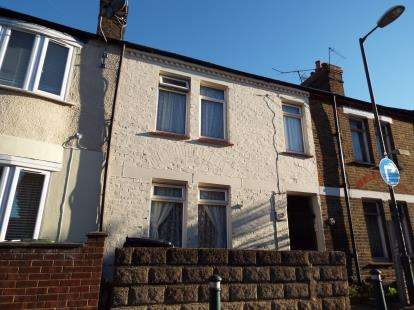 3 Bedrooms Link Detached House for sale in Queens Road, Waltham Cross, Hertfordshire, Waltham Cross