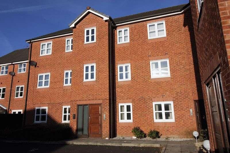 2 Bedrooms Flat for sale in Kingsbury Close, Bury