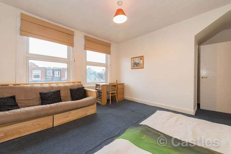Flat for sale in Hampden Road N8