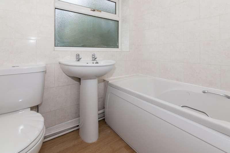 3 Bedrooms Semi Detached House for sale in Deneside Crescent, Hazel Grove, Stockport, Greater Manchester, SK7