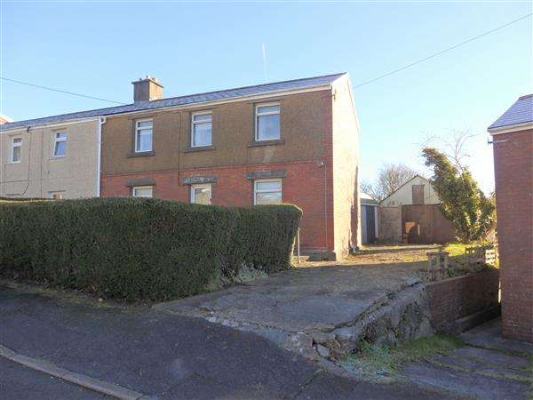 3 Bedrooms Semi Detached House for sale in Parcymynach, PONTYBEREM, Llanelli