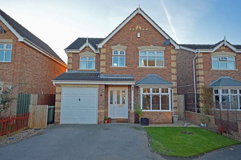 4 Bedrooms Detached House for sale in Muirfield Drive, Wakefield