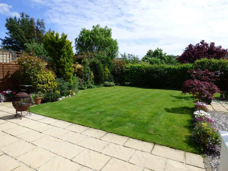 4 Bedrooms Detached Bungalow for sale in Summerhill Crescent, Liverton
