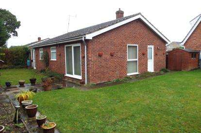 3 Bedrooms Bungalow for sale in Coltishall, Norwich, Norfolk