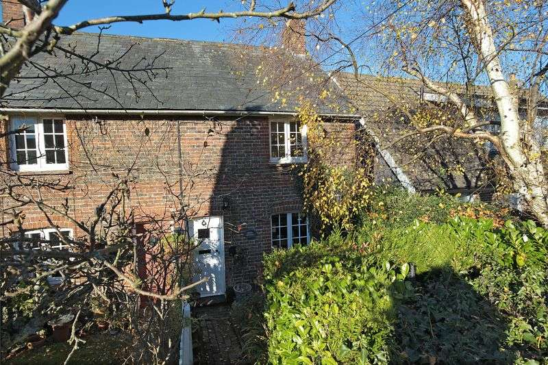 2 Bedrooms House for sale in Terminus Road, Blackboys, East Sussex