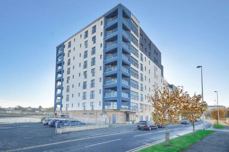 2 Bedrooms Flat for sale in Flat 15, 5 Lochinvar Drive, Granton, Edinburgh, EH5 1GJ