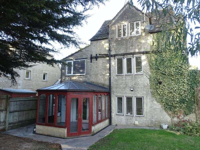 4 Bedrooms House for sale in Lowbourne, Melksham