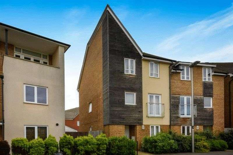 5 Bedrooms Semi Detached House for sale in Wenford, Broughton, MK10
