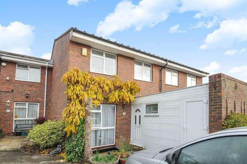 3 Bedrooms Terraced House for sale in Blenheim Road, Northolt, UB5