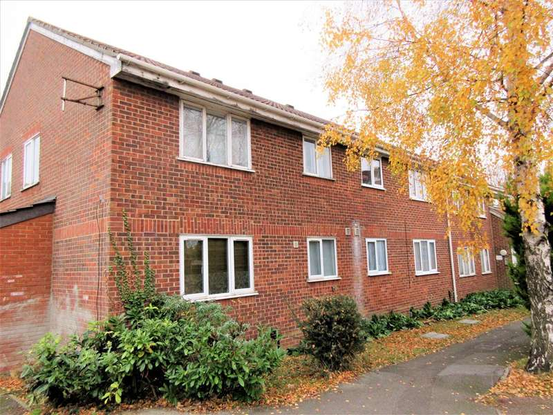 2 Bedrooms Apartment Flat for sale in Conway Gardens, Grays