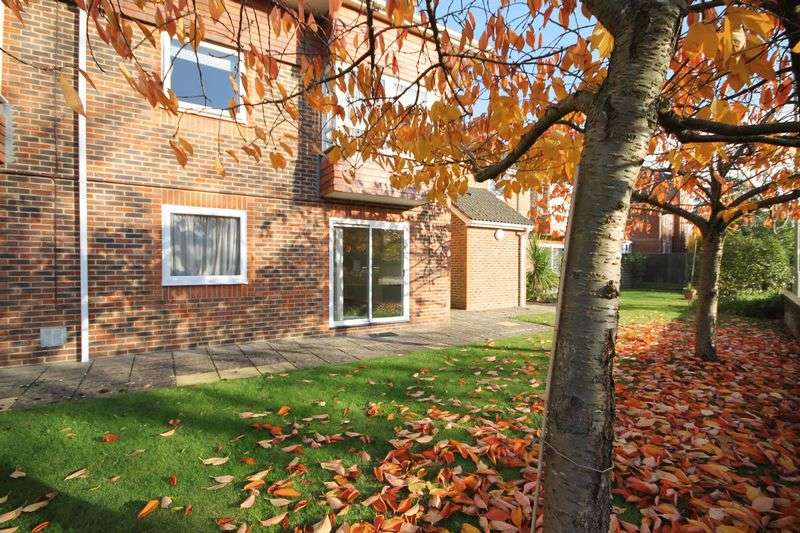 1 Bedroom Retirement Property for sale in Horndean Road, Emsworth
