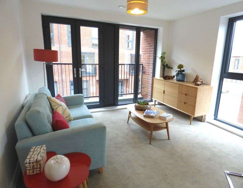2 Bedrooms Flat for sale in Greyfriars Quarter, Gloucester GL1 1HT
