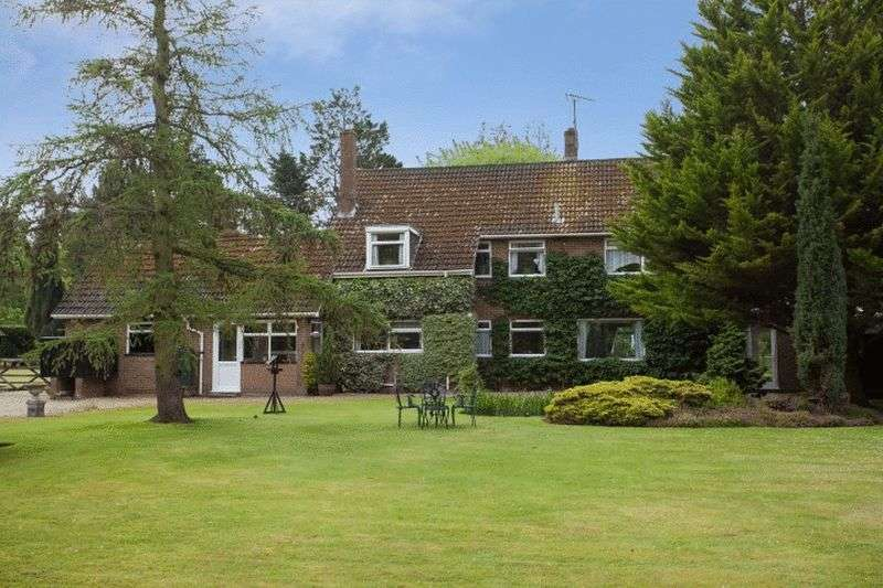 4 Bedrooms Detached House for sale in Pentney, Norfolk