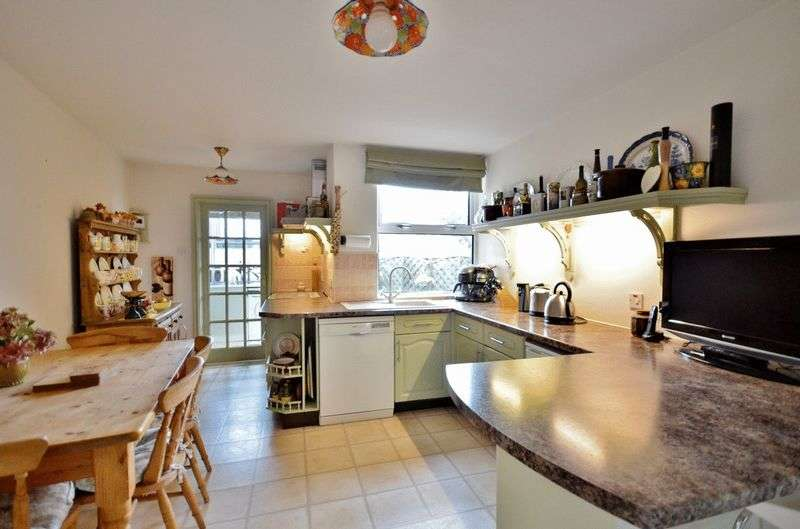 3 Bedrooms Terraced House for sale in Main Street, St. Bees