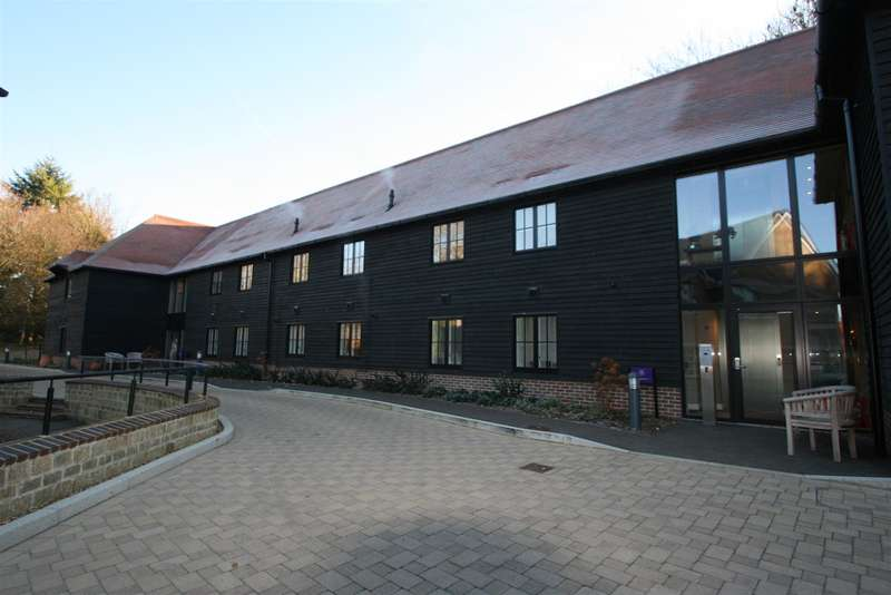 2 Bedrooms Property for sale in Woodville Court, Bearsted, Maidstone