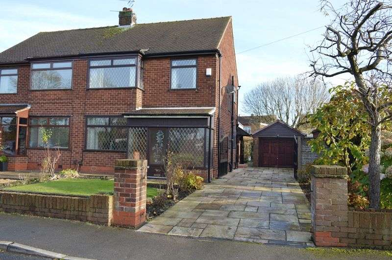 3 Bedrooms Semi Detached House for sale in Winton Road, Lowton, WA3 1NW