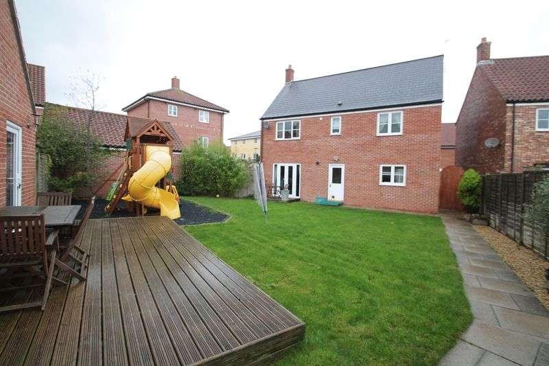 4 Bedrooms Detached House for sale in Finisterre Parade, Portishead