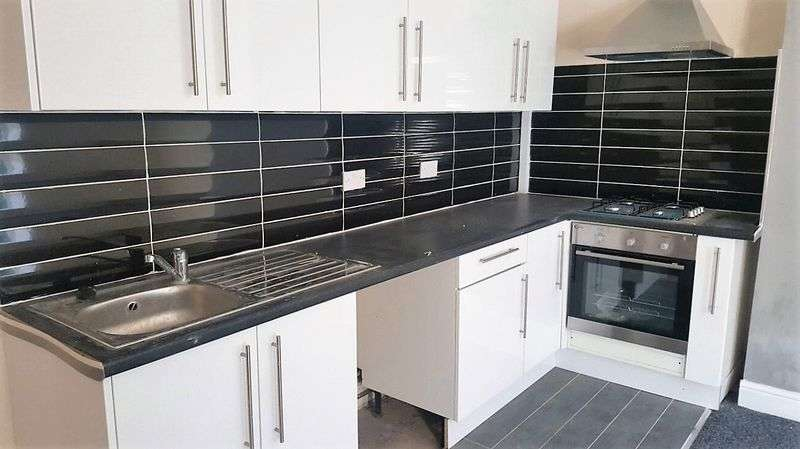1 Bedroom Property for sale in Longwood Road, Huddersfield