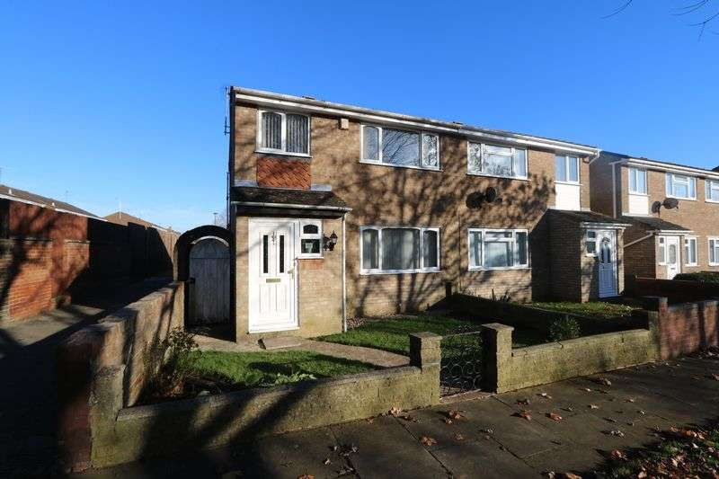 3 Bedrooms Semi Detached House for sale in Roxburgh Way, Milton Keynes