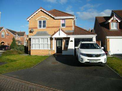 4 Bedrooms Detached House for sale in Coalport Drive, Winsford, Cheshire, CW7