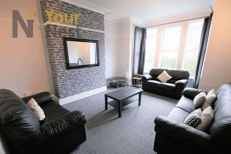 6 Bedrooms House for rent in Estcourt Terrace, Headingley, LS6 3EX