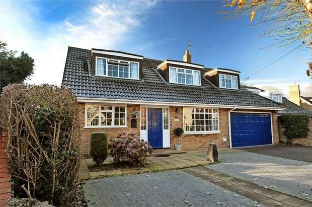 4 Bedrooms Detached House for sale in Buccleuch Road, Datchet, Slough, Berkshire