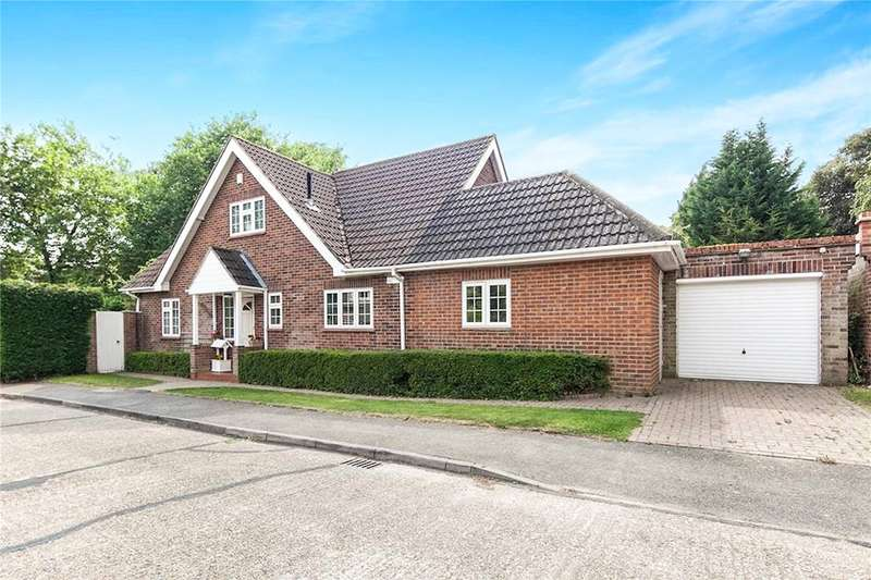 4 Bedrooms Detached House for sale in Evelyn Close, Woking, Surrey, GU22