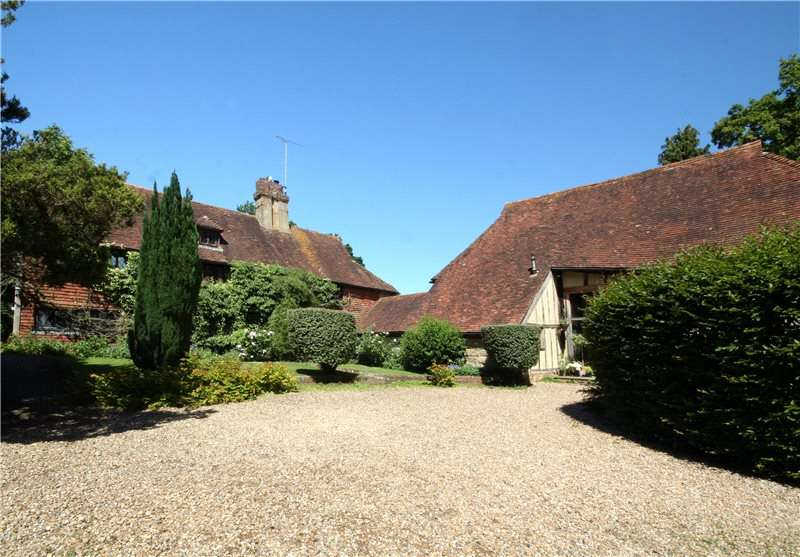 5 Bedrooms Detached House for sale in Perrymans Lane, Burwash
