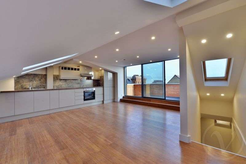 2 Bedrooms Flat for sale in Hillfield Park Mews, Muswell Hill, London, N10