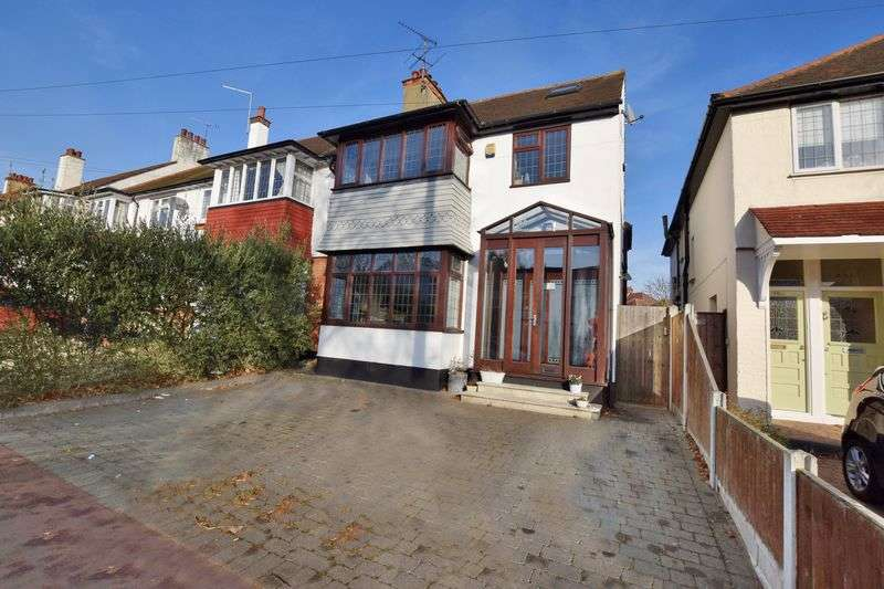 5 Bedrooms Semi Detached House for sale in Hadleigh Road, Leigh-On-Sea
