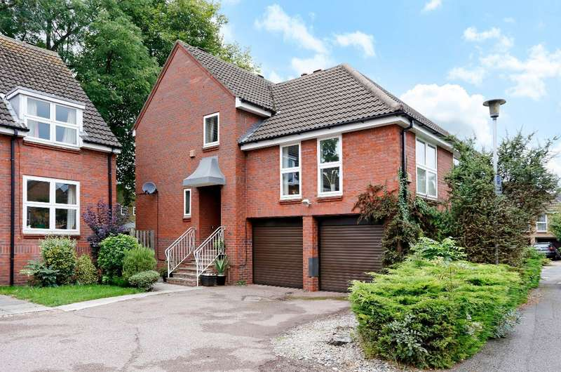 4 Bedrooms Detached House for sale in Horseguards Drive, Maidenhead Riverside, Berks