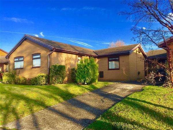 2 Bedrooms Detached Bungalow for sale in Well House Drive, Penymynydd