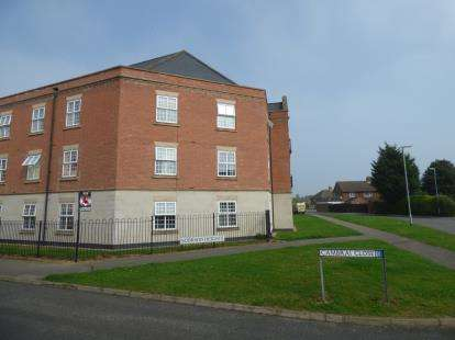 2 Bedrooms Flat for sale in Sobraon Heights, Cambrai Close, Lincoln, Lincolnshire