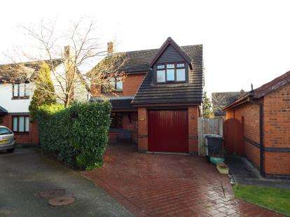 4 Bedrooms Detached House for sale in Fourseasons Close, Crewe, Cheshire