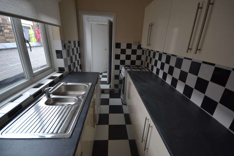 3 Bedrooms Terraced House for sale in May Place, Fenton