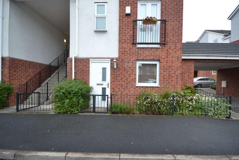 1 Bedroom Apartment Flat for sale in Poundlock Avenue, Hanley, Stoke-on-Trent