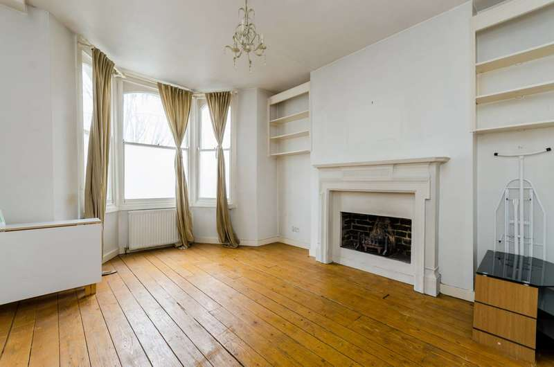 2 Bedrooms Flat for sale in Waldemar Avenue, Munster Village, SW6