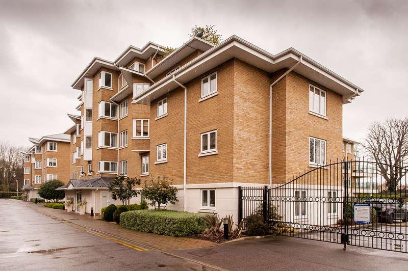 2 Bedrooms Apartment Flat for sale in KEW RIVERSIDE
