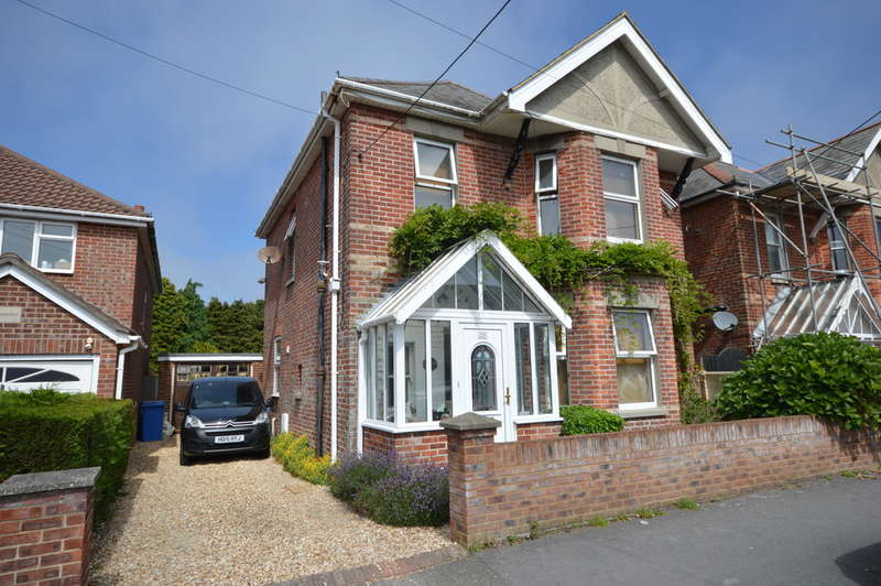 5 Bedrooms Detached House for sale in Compton Road, New Milton