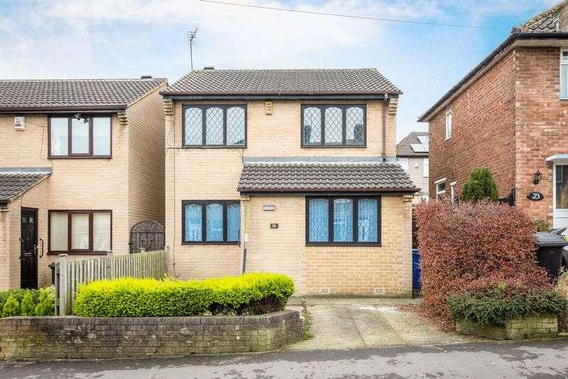4 Bedrooms Detached House for rent in Benty Lane, Crosspool, Sheffield, S10 5NF