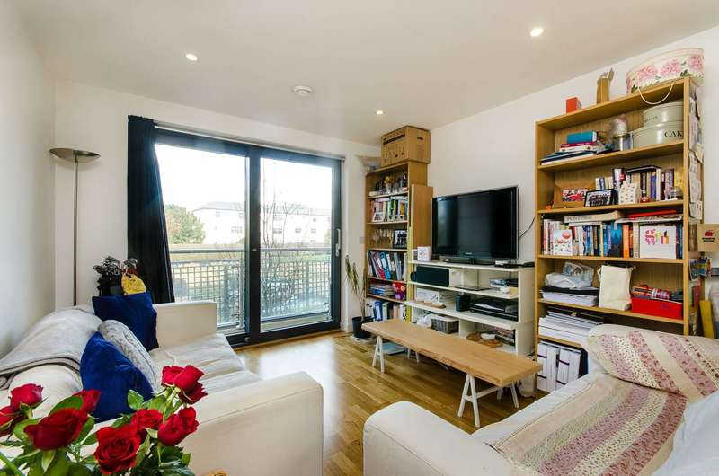 1 Bedroom Flat for sale in Chartfield Avenue, Putney, SW15
