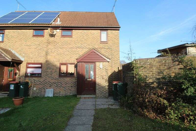 1 Bedroom Terraced House for sale in Chevening Close, Crawley